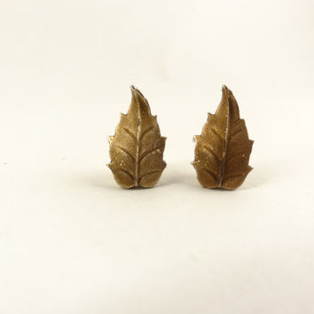 Lovely Tiny Leaves Post Earrings by toppytoppy on Etsy