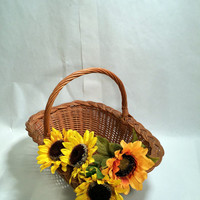 Cottage Chic Basket Wicker Woven Gathering Basket Vintage Basket Old Country Farmhouse Decor Rustic Basket with Handle Fall Decor