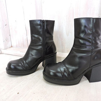 90s chunky boots / size 8.5  / vegan black platform ankle boots / 1990s grunge / Rampage