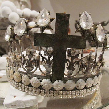 Distressed rusty white crown for statues French Santos ornate oxidized metal tiara headdress antique inspired home decor anita spero design