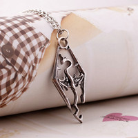 New Arrived Cool Charm Dragon Pendant The Elder Scrolls Logo Skyrim Dragon Necklace Jewelry For Men Women