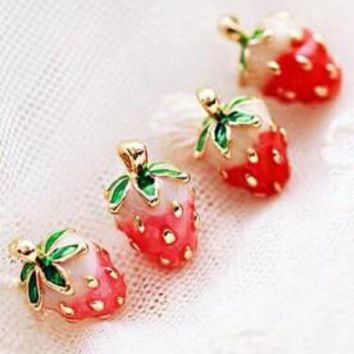 2017 Rushed Brincos Brinco Japanese Girl Fashion Magazines Recommend Small Strawberry Caiyou Stud Earrings For Women Jewelry