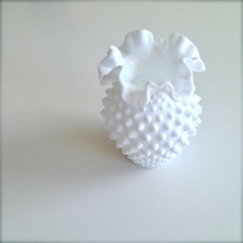 Vintage Precious Fenton White Milk Glass Hobnail Double Crimped Ruffled Vase!
