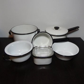 Vintage Black and White Enamelware Cookware/Kitchenware Set of 6 (8 Pieces)