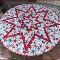 Patriotic Americana Stars on Wood Quilted Round Table Topper Red 731