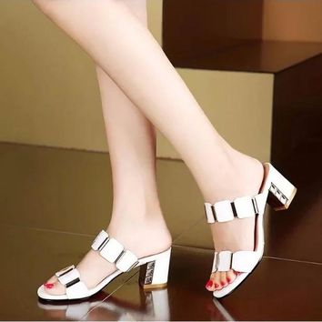 2016 New Rhinestone Sandals Women Thick Heel Slippers Woman Open Toe Platform Wedges S