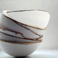 Fine bone china small stoneware bowl with matt real gold.