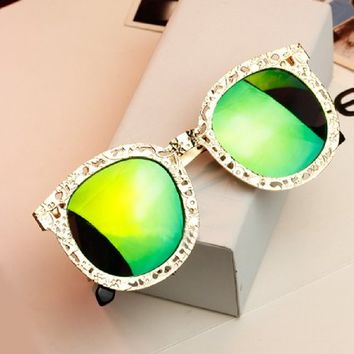 Metal Hollow Retro Sunglasses (green)