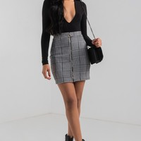 AKIRA Zip Up Houndstooth Patterned Mini Skirt in Black White