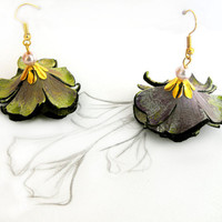 Bellflower leather earrings by julishland on Etsy