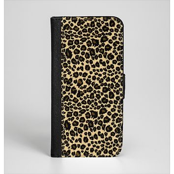 The Small Vector Cheetah Animal Print Ink-Fuzed Leather Folding Wallet Case for the iPhone 6/6s, 6/6s Plus, 5/5s and 5c