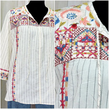 Boho tunic top / vintage Johnny Was blouse / embroidered bohemian hippie top  size S - M / festival top