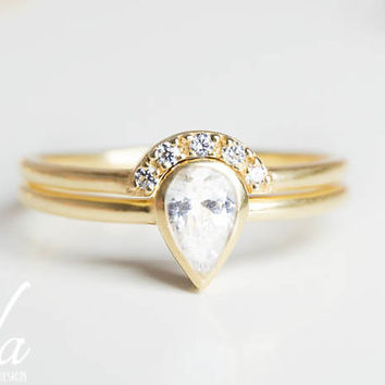 Pear Shaped Engagement Ring Set   Pear Diamond Ring   Pear Cut Engagement  Ring Set