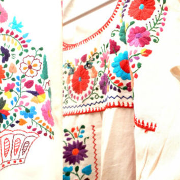 vintage OAXACAN wedding dress 70s BOHO smocked peasant dress WHITE  embroidered bohemian Mexican festival dress small
