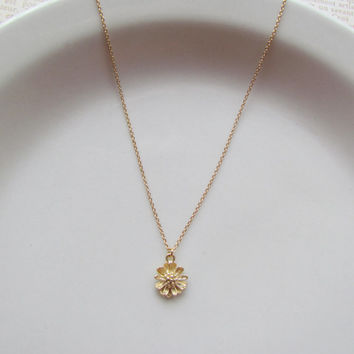 Gold Dainty Daisy Necklace - 16K Gold Everyday Jewelry
