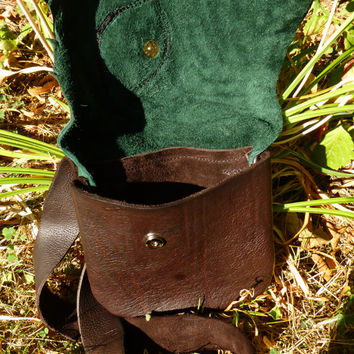 Medium Leather Leaf Purse / Bag Pouch Tote Sack Satchel Woodsy Woodland Elf Faerie Renaissance Hobbit Earthy Earth Wood Nymph Leaves RenFest