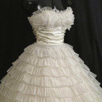 Vintage 1950's 50s Bombshell STRAPLESS White Tiered Chiffon Ivory Taffeta Party Prom Wedding DRESS Gown