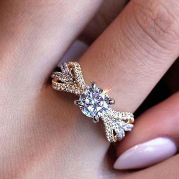 2019 New Design Crystal Twist Cubic Silver Color Engagement Rings For Woman Female Luxury Zirconia two-tone wedding band Jewelry