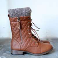 alpine quilted combat sweater boots in tan