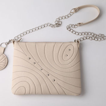 Cream quilted leather purse. Off white crossbody leather bag.