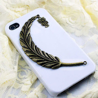 vintage style big feather with a lovely owl Iphone 4 Case Cover, iPhone 4s Case, iPhone 4 Hard Case, White iPhone Case