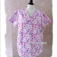 🎁 New Scrubs Top Pink Ribbon Hearts Large L NWT