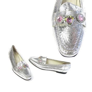 1980s Silver Leather Flats Rainbow Gem Stone Bling Rhinestones Slip On Penny Loafers Pointed Toe Flats Girly Barbie Hipster Loafers (Size 5)