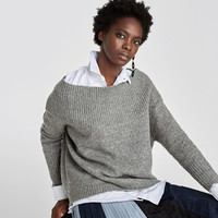 OFF-THE-SHOULDER SWEATERDETAILS