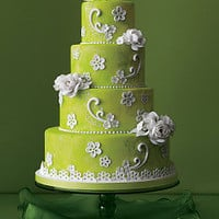 Nice green cake with white flowers | Perfect Wedding