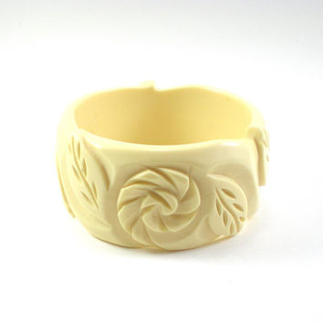 Chunky Wide Cream Carved Lucite Bangle Bracelet With Flowers And Leaves Vintage Jewelry
