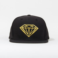 Brilliant Snapback Hat in Black/Gold