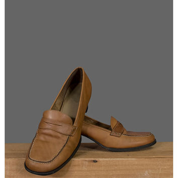 Vintage Brown Penny Loafers - 1990s Tan Leather Shoes with Stack Heel - Shoe Size 8 to 8.5