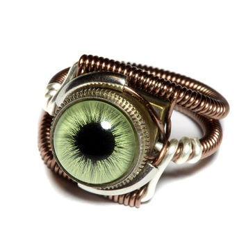 MERRY CHRISTMAS SALE - Steampunk Jewelry - Ring - Green taxidermy glass Eye - Size 6.5 Us