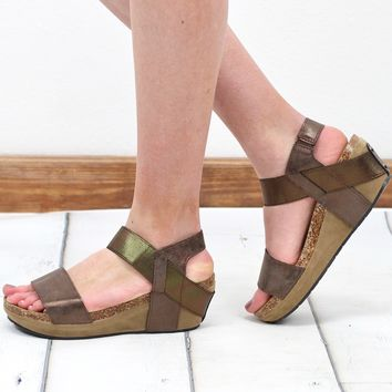 Chantal Metallic Low Wedge Sandal {Bronze}