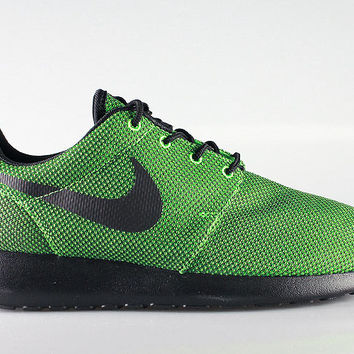 Nike Men's Roshe Run Poison Green Black