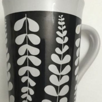 Royal Norfolk White & Black Floral Pattern Ceramic Coffee Tea Hot Cocoa Mug Cup