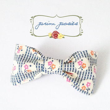 Girls Bow, Hair Bow, Hair Accessories, Hair Barrette, Gift For Her, Small Bow, Flower Bow, Vintage Bow, Womens Barrette, Floral Barrette