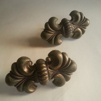 pair of vintage drawer pulls . vintage drawer handles. vintage furniture parts. Fleur de Lis . vintage shabby chic furniture handles. rustic