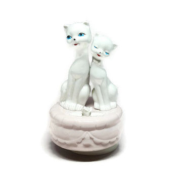 Music Box, Vintage Music Box, Cat Music Box, Vintage Cats, Baby Shower Gift, Cat Lover Gift, Kitten Music Box, Cat Figurines, Siamese Cats