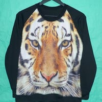 Tiger sweatshirt  Style Country Color size M/ L one size long sleeve/ crew neck/ jumper / sweater animal Winter cold