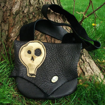Medium Kooky Spooky Black Leather Skull Purse / Handmade Bag Tote Pouch Sack Bullhide DOTD Day Of The Dead Goth Steampunk Rocker Halloween