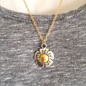 Gold Daisy Flower Necklace