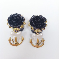Pretty golden nautical rose plugs