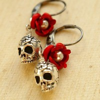 Rosa Muerte Antiqued Silver Skull and Rose Earrings by luxedeluxe
