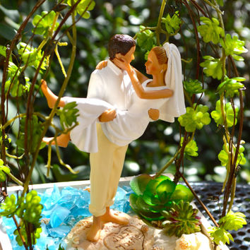 Wedding Cake Topper and Arbor in Wooden Planter ~ Bride and Groom Cake Topper ~ Beach Wedding Decor ~ Small Planter and Arbor ~ Cake Topper