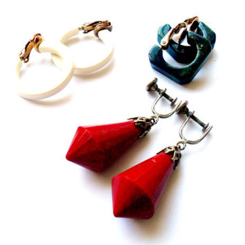 Plastic Earring Lot Vintage Bakelite  Spinach Green Red White Clip On Screw Back Square Drop Hoop