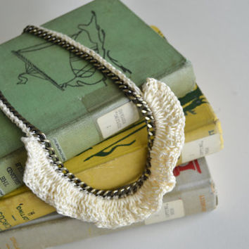 Ivory Ruffle Chain Necklace