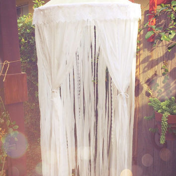 Big Shabby Chic Gypsy Boho White Dreamcatcher Canopy // Baby Nursery Decor // Home Decor // Bedroom Decor // Lace Crochet Doily Fabric