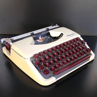 Typewriter Olympia splendid working conditon vintage white portable lightweight retro writer home decor romantic love letter