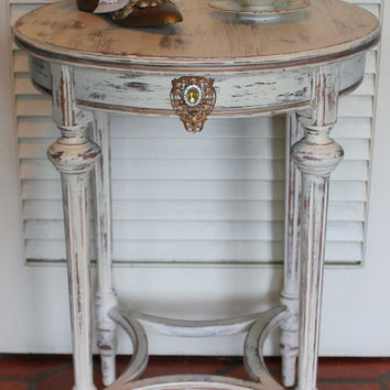 Shabby Chic Round Side Table 1930s